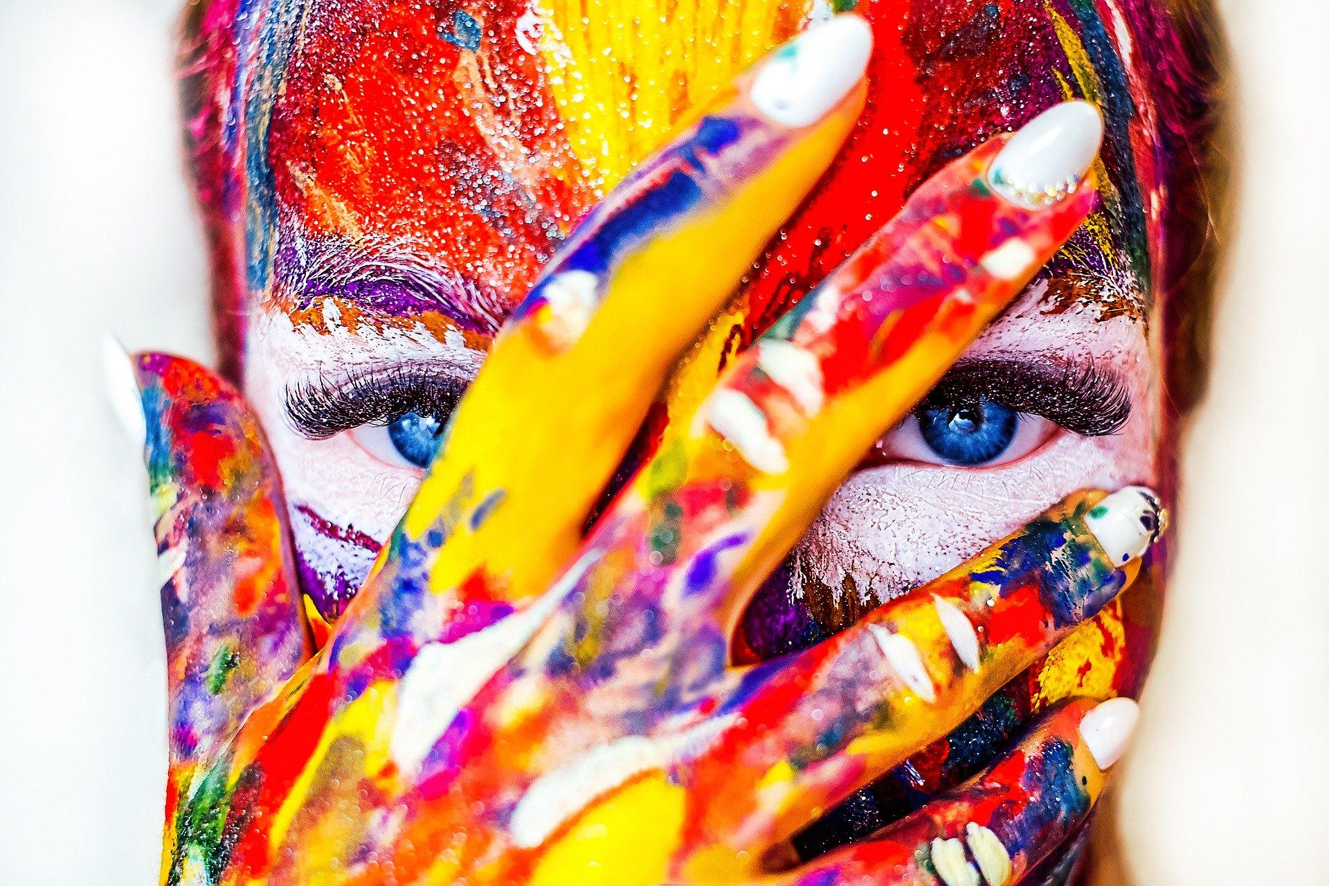 Vivre de sa passion, l'écriture, le dessin et la peinture